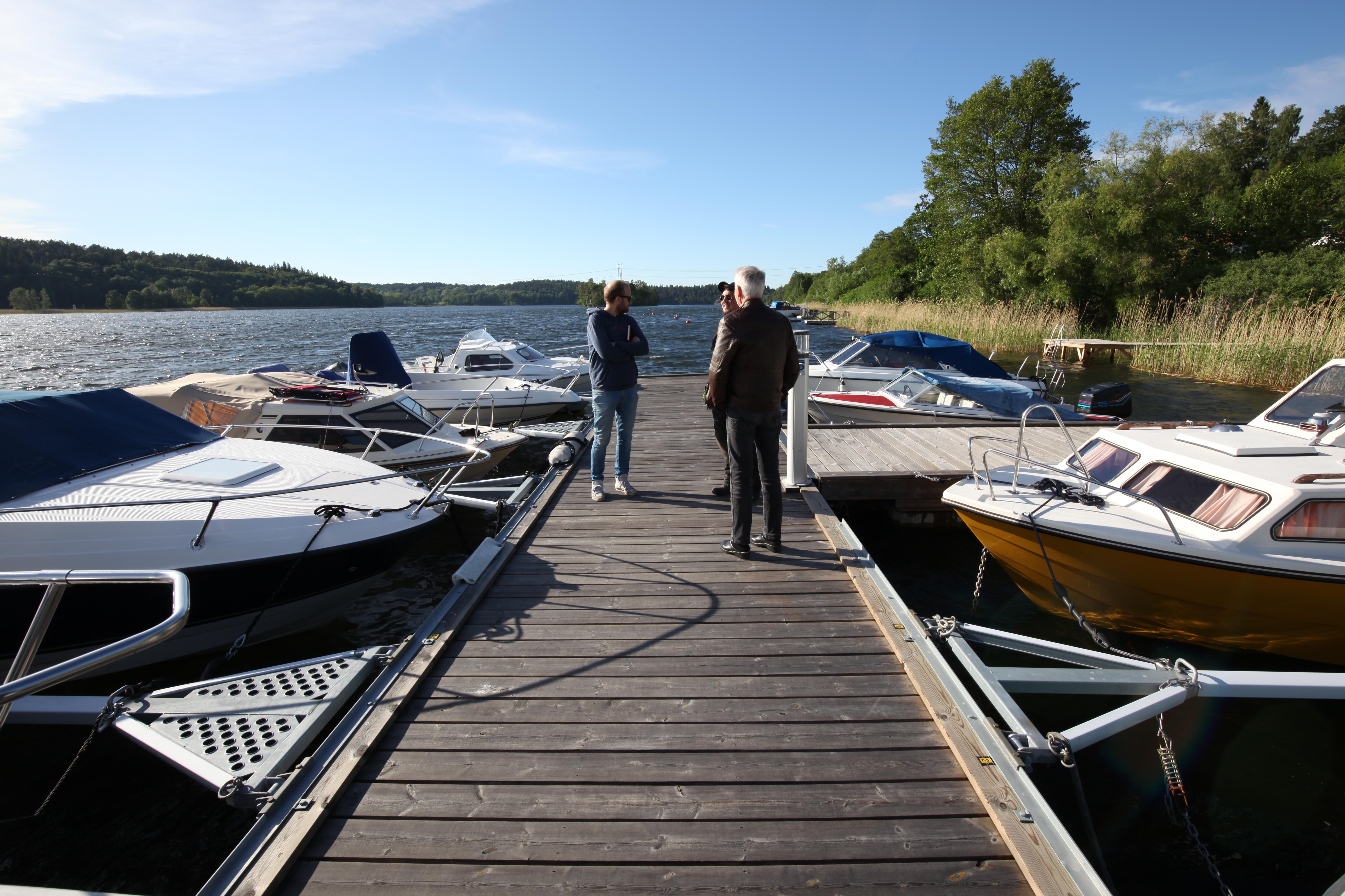 Brygginspektion vid Norra bryggan i Tullingesjön våren 2018 - TSS Båtklubb