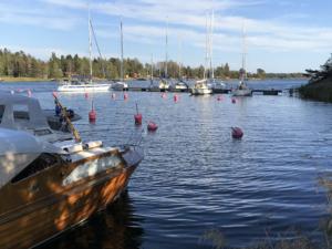 Bryggan vid Piparholmen vid Trosa i Sörmland - TSS Båtklubb