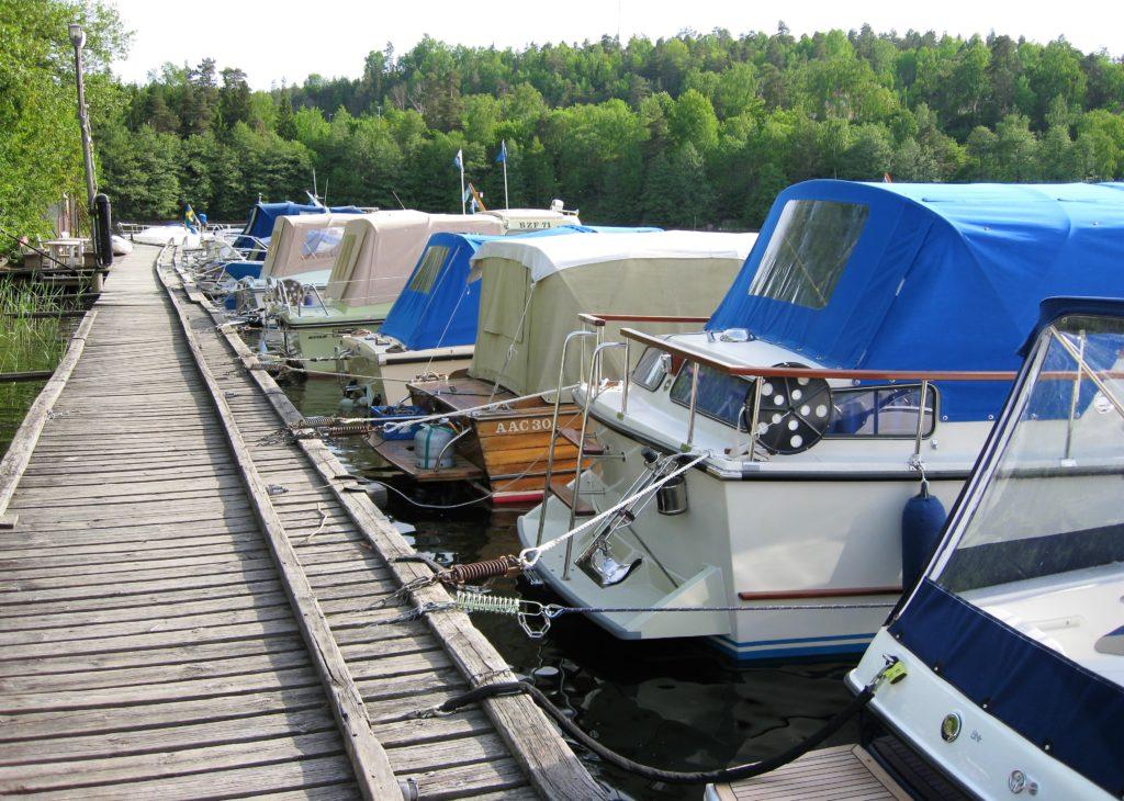 Södra bryggan i Tullingesjön, närbild - TSS båtklubb