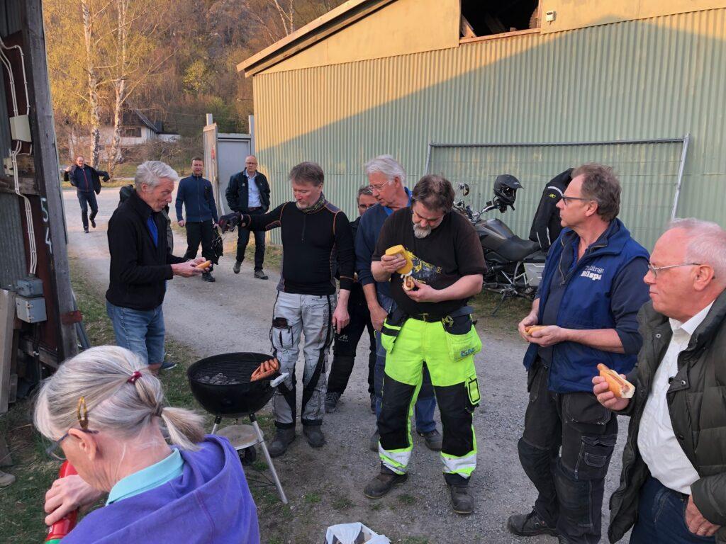 Extra medlemsmöte 2019 - Jocke vid grillen - TSS Båtklubb