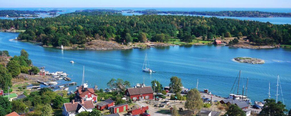 Gamla Oxelösund - utflykt från Piparholmen vid Trosa i Sörmland - TSS Båtklubb